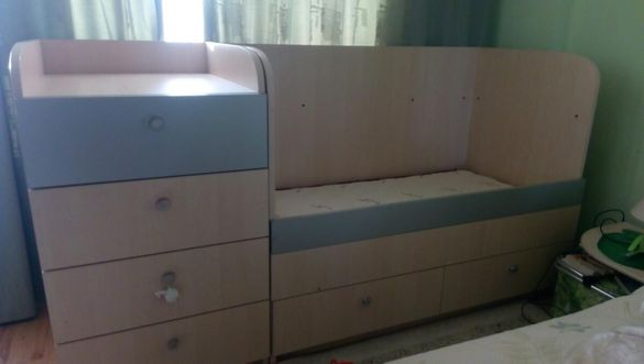 Детско легло и шкаф