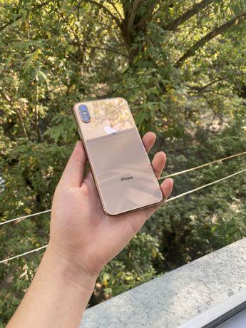 iPhone xs золотистый