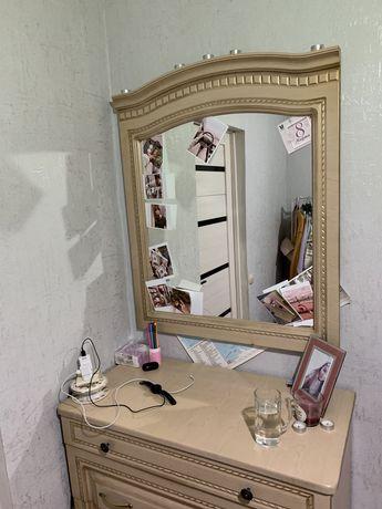 Продам комод с зеркалом