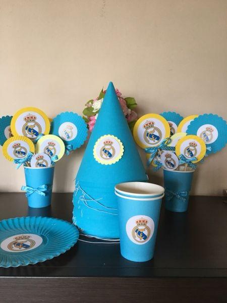 Картонени торти, надписи, покани, топери за кексчета, парти артикули гр. Костинброд - image 1