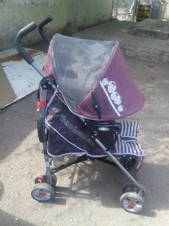 продам детскую коляску хорошем состаяний небольшая легкая собирается
