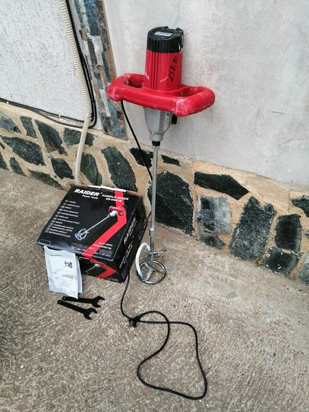 Продавам машина за бъркане raider 1300w гр. Балчик - image 1