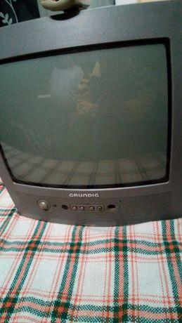 vand 4 televizoare