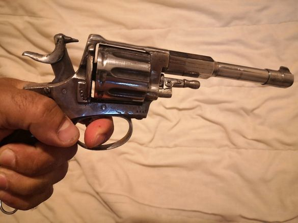 Револвер на свободен режим. Колекционерско оръжие, пистолет, пушка