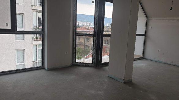 Двустаен апартамент - кв. Център