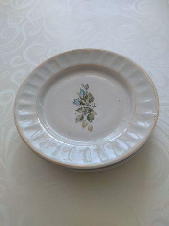 Продам фарфоровые тарелки