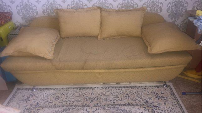 Срочно продам диван тахту