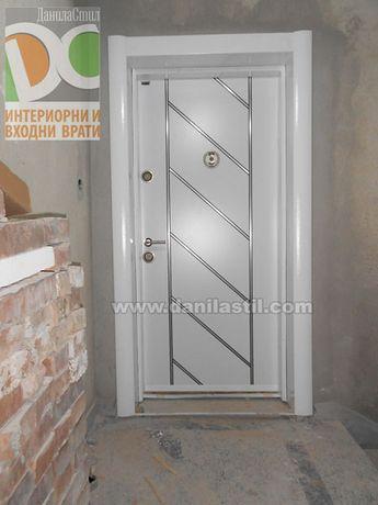 БЛИНДИРАНИ входни врати - качествен монтаж