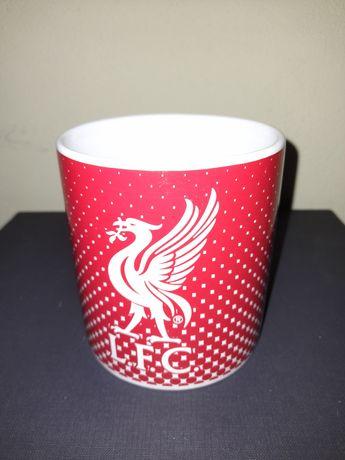 Cana personalizata FC Liverpool și 3 fanioane celebre