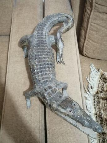 Статуэтка в форме кракодила