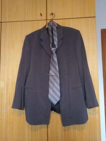 Нов костюм с нова вратовръзка