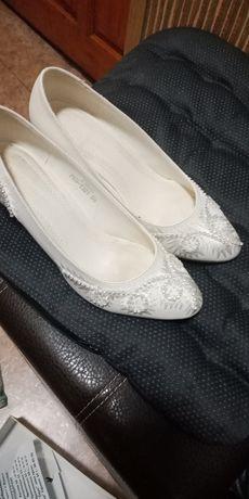 Продам туфли за 2000 т