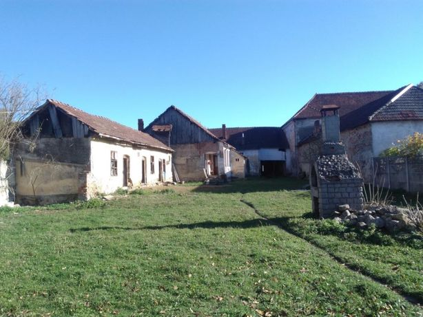 Vând casa Halmagiu Jud Arad