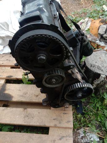Двигатель на пассат 1.8