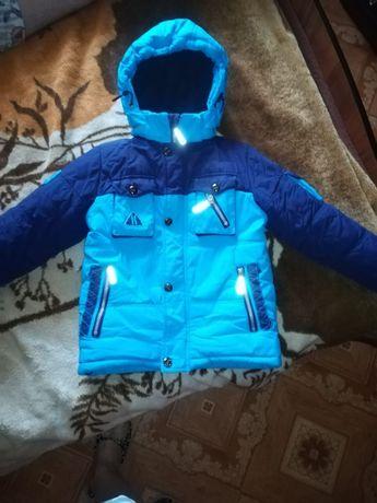 Продам комплект куртка и комбинезон.