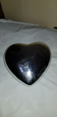 Продавам керамично сърце