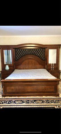 Двуспальняя кровать