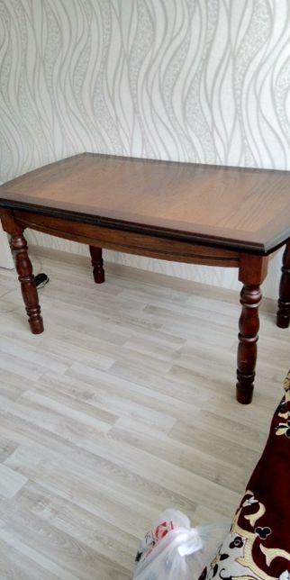 Стол раздвижной обеденный из натурального дерева и шпона
