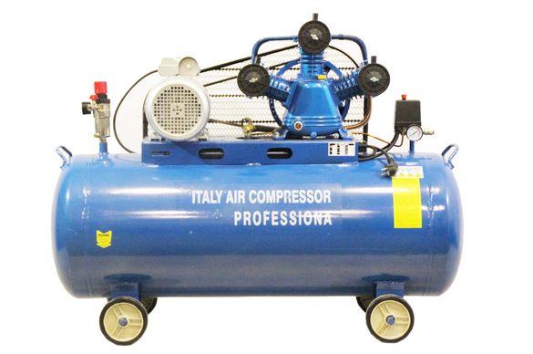 Компресори за въздух Italy с обем на съда 200 литра трифазни