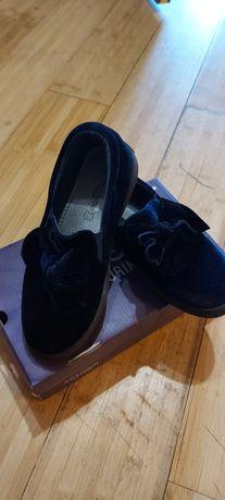 Туфельки на девочку бархатные 32 размер
