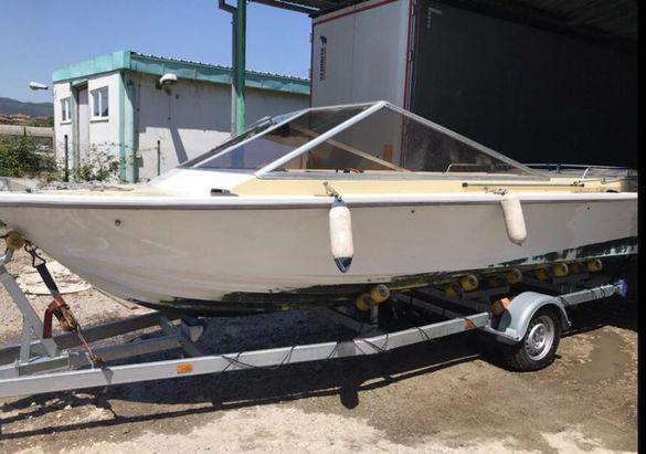 Моторна яхта Schweizer Saphir