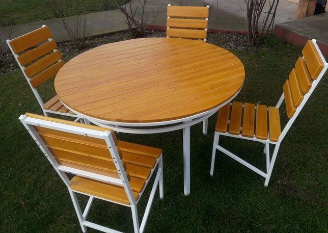 Masa rotundă cu 4 scaune