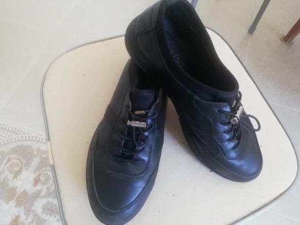 Ботинка кожаная