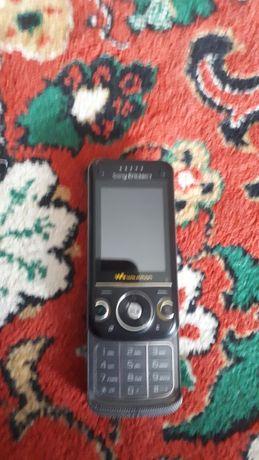 Продам телефон почти новый