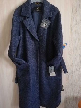 """Пальто срочно, новое с этикеткой приобретали в магазине """"Метелица"""""""