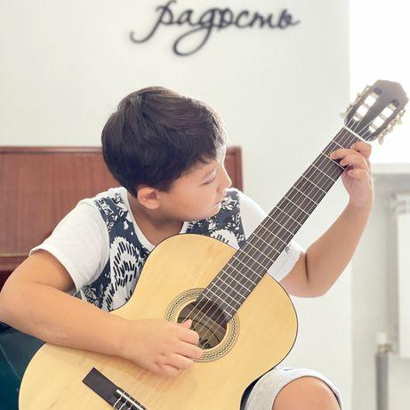 Открыт набор на групповые занятия по гитаре