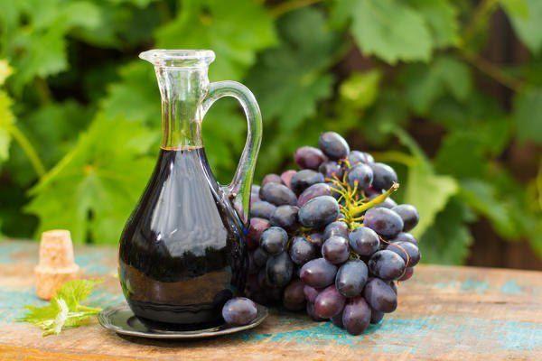 Винный уксус натуральный, из красного винограда. 1л -1000тг