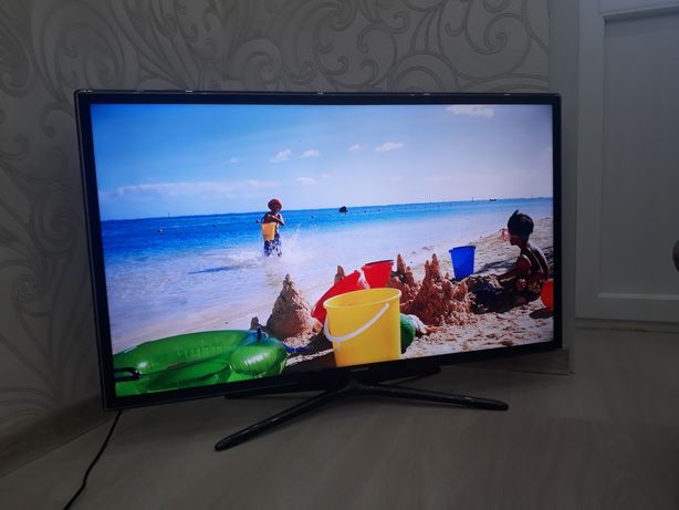 Продам телевизор Samsung. SMART TV. 2013 год. Диагональ 40(102см)