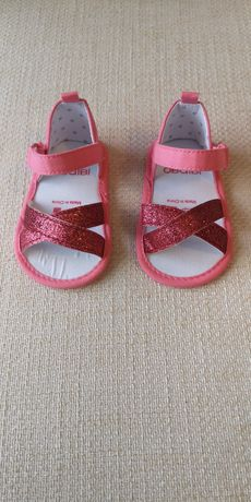 Нови бебешки сандали Okaidi Obaibi 6-12м