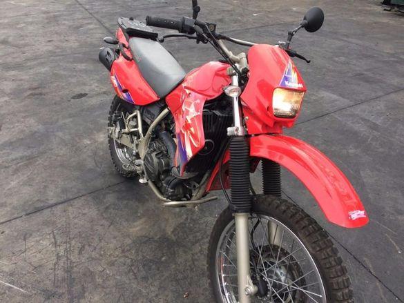 Мотоциклет Кавазаки КЛР 650(Kawasaki KLR 650)-На части