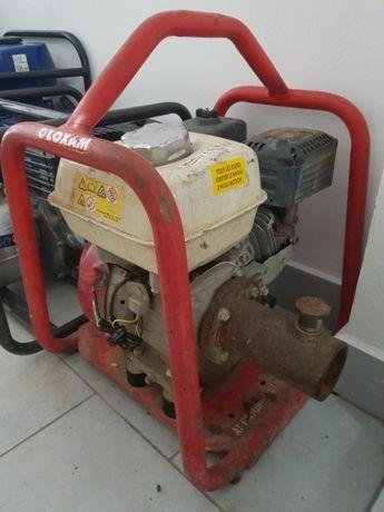 Vibrator beton cu motor pe benzina Honda