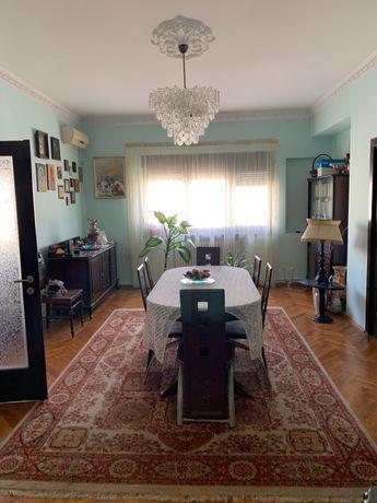 Vanzare apartament 4 camere Calea Mosilor