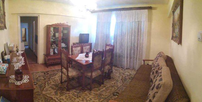 Apartament 4 camere  spațios