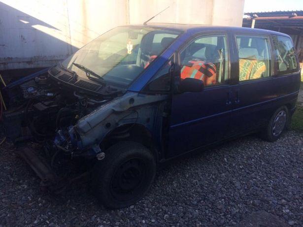 Vând Peugeot 806 avariat
