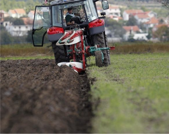 30лв- ОРАН с Трактор - Обработвам градини,оранжерии,ниви,лозя