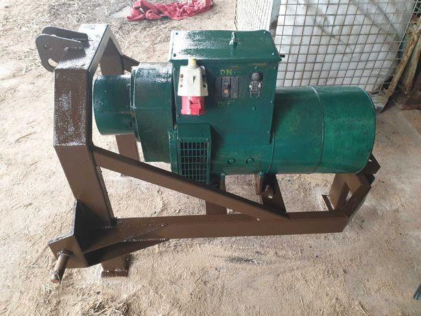 generator curent trifazic 15kw actionat de priza ,vand/schimb