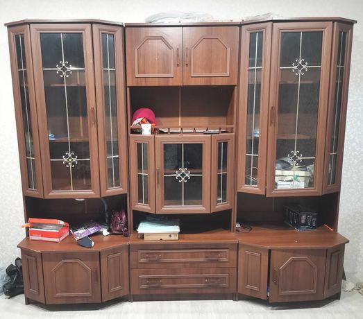 Стенка 5 шкафов в отличном состоянии