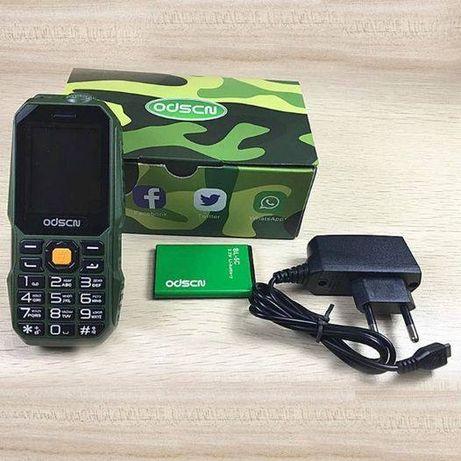 Мобилен Удароустойчив Телефон Две СИМ КАРТИ GSM Прахоустойчив с фенерч