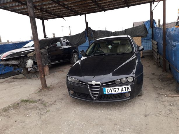 Dezmembrez Alfa Romeo 159...1.9JTD.M 150cp Volan dreapta