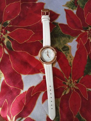 Часовник Orphelia - с бяла каишка и розово-златист циферблат