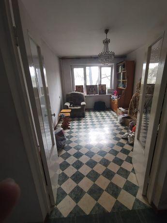 Срочно продам 2-ух комнатную квартиру в центре Алматы