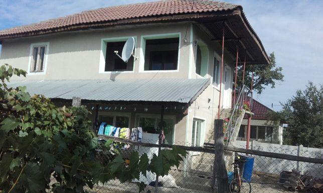 Casa de vinzare cu etaji