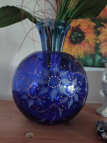 Шест красиви вази в синьо.