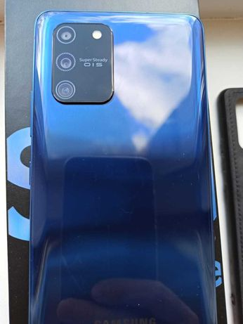 Samsung Galaxy S10 Lite + гарантия 8 месяцев + 3 чехла