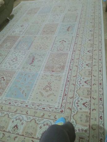 Продам ковёр 2*3