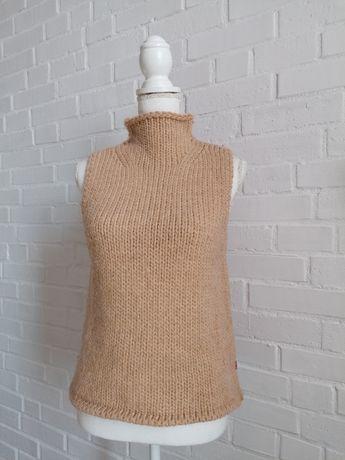 Guess - vesta din lana cu guler inalt, marime S